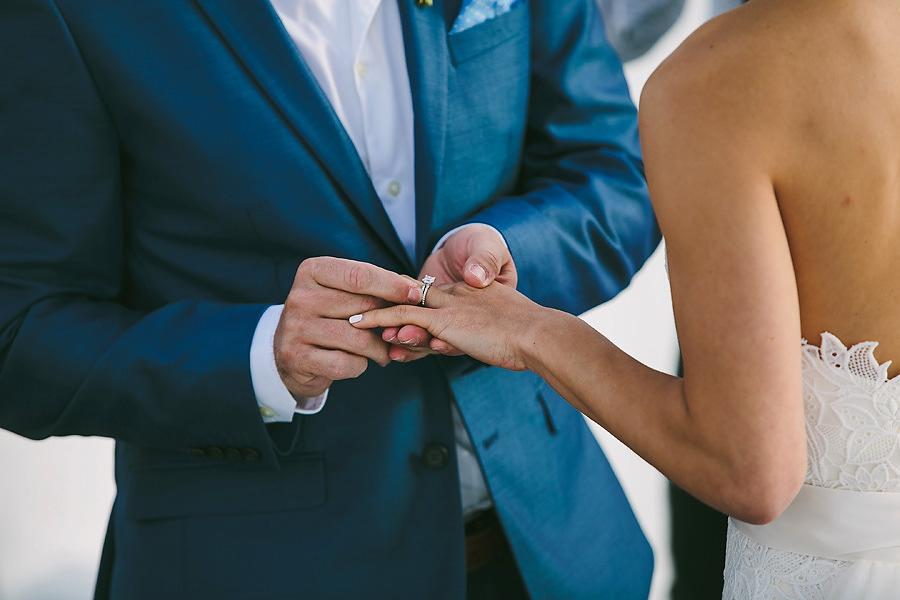 santorini-wedding-ceremony-at-katikies-hotel-photos